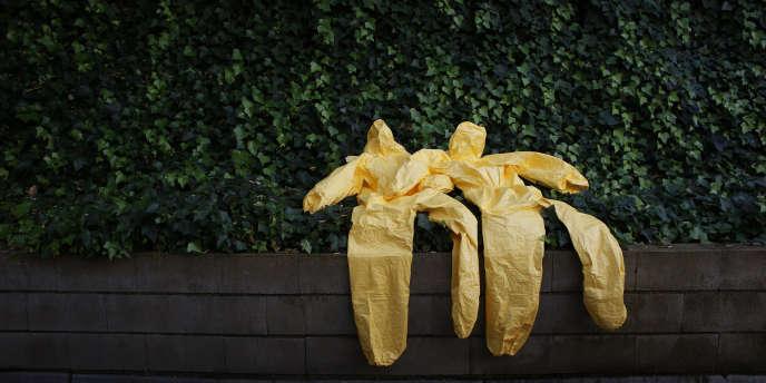 Le dernier bilan de l'OMS porte à 9 004 le nombre de morts d'Ebola en Guinée, au Liberia et en Sierra Leone.