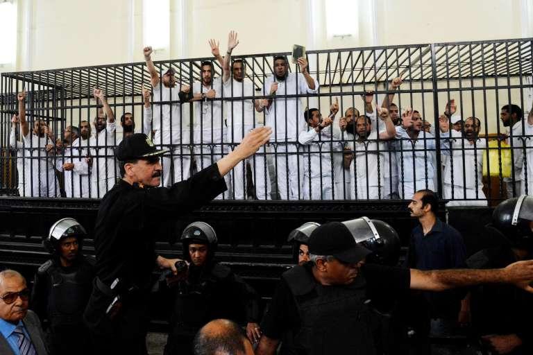 Pendant un procès de Frères musulmans en mai 2014 à Alexandrie.