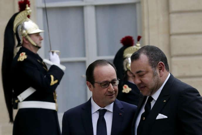 Le président français, Francois Hollande, accueille le roi du Maroc, Mohammed VI, à l'Elysée le 9 février.