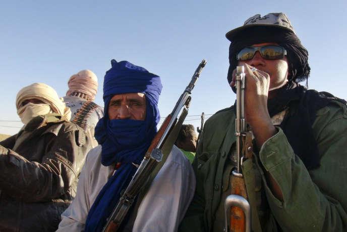 Des soldats du Mouvement national de libération de l'Azawad, dans le nord-est de Kidal, en février.