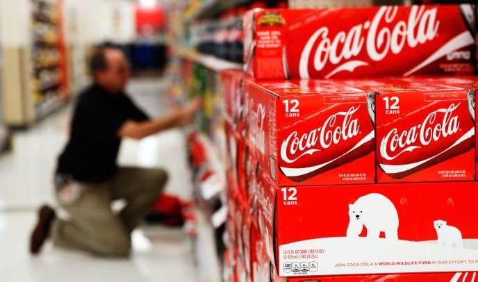 Coca-Cola a engrangé un chiffre d'affaires de 46 milliards de dollars (40,6 milliards d'euros) sur l'année 2014, en baisse de 2 %.