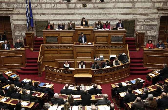 Le premier ministre grec Alexis Tsipras s'exprime devant la Vouli, le parlement grec, le 10 février à Athènes.