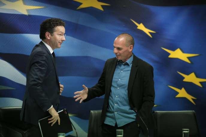 Jeroen Dijsselbloem, président de l'Eurogroupe, et le ministre des finances grec, Yanis Varoufakis, le 30 janvier 2015, à Athènes.
