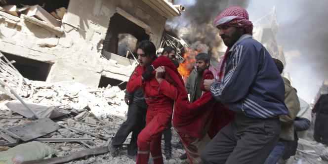 « Dans la plupart des zones que nous encerclons et que nous attaquons, il n'y a ques des militants [terrosites] », ajoute Assad.