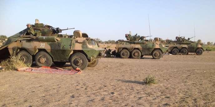 Des blindés de l'armée tchadienne participant aux opérations contre Boko Haram.