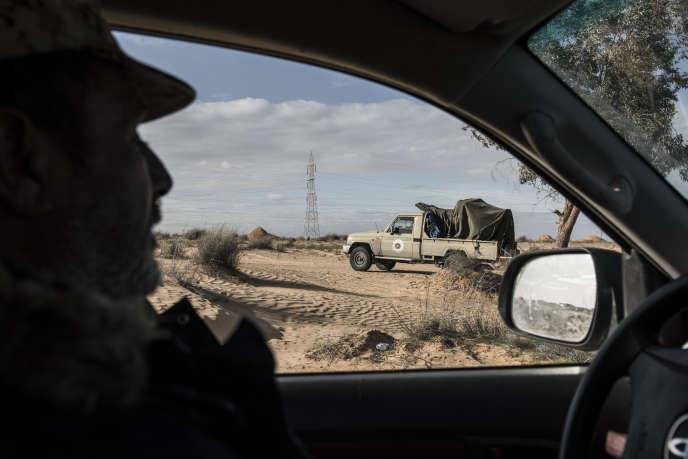 Les affrontements entre groupes libyens (ici à Ezraïr, le 26janvier) favorisent les ralliements à l'EI.