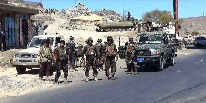 Des combattants Houttistes dans la province d'Al-Bayda, au sud de Sanaa, le 10 février 2015.