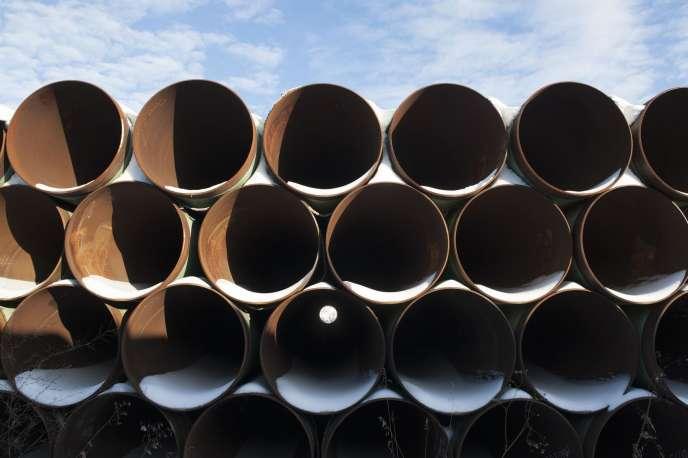Stockage de fragments du futur oléoduc Keystone XL dans le Dakota du Nord.