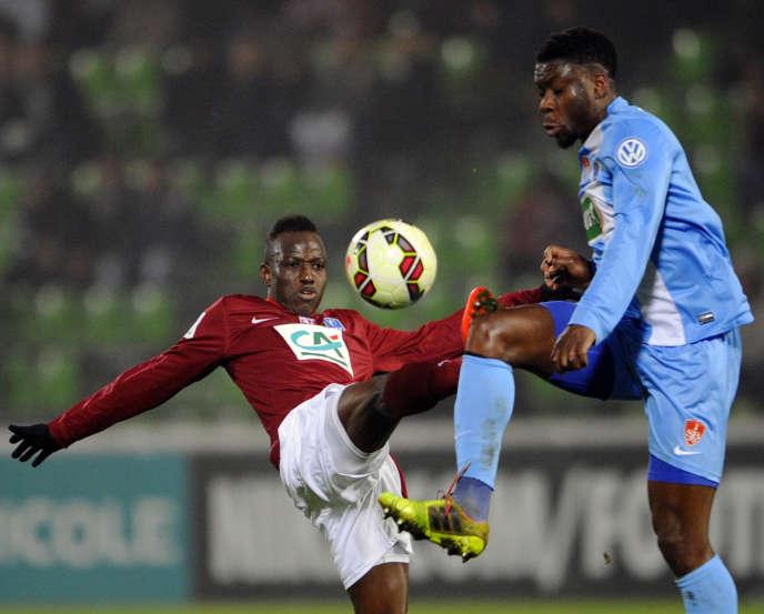 Fadil Sido et Ismael Traore pendant le match Metz-Brest de la Coupe de France, le 12 février 2015.