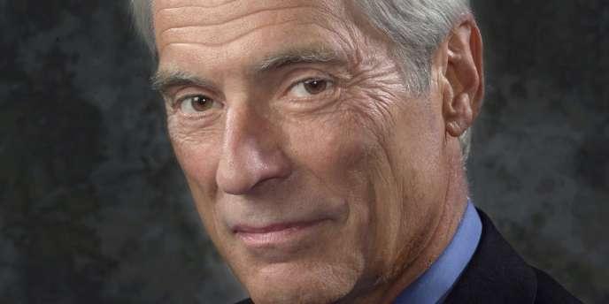 Bob Simon a reçu en cinq décennies de carrière la bagatelle de 27 Emmy Awards pour des reportages aux Etats-Unis et sur les conflits au Vietnam, au Liban, au Cambodge, en Irak ou en encore en Bosnie.