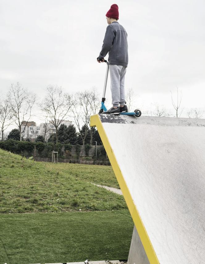 A Lyon, dans le parc Sergent-Blandan, une aire de jeux audacieuse a ouvert l'été dernier, en rupture avec les standards des squares traditionnels.