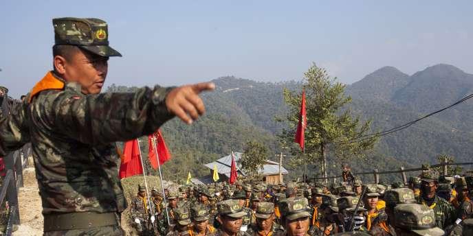 Ces combats interviennent alors que des affrontements réguliers ont lieu ces derniers mois dans d'autres parties des Etats Shan et Kachin, dans le nord du pays, laissant planer le doute sur la capacité de la Birmanie a signé un cessez-le-feu.