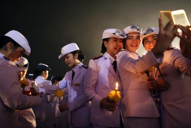 Lors de la cérémonie marquant l'anniversaire du roi, le 5 décembre à Bangkok.