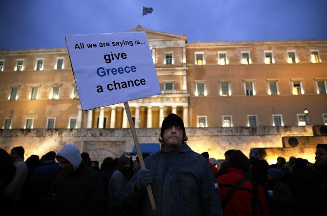 Manifestation anti-austérité devant le Parlement grec, à Athènes, le 11février.