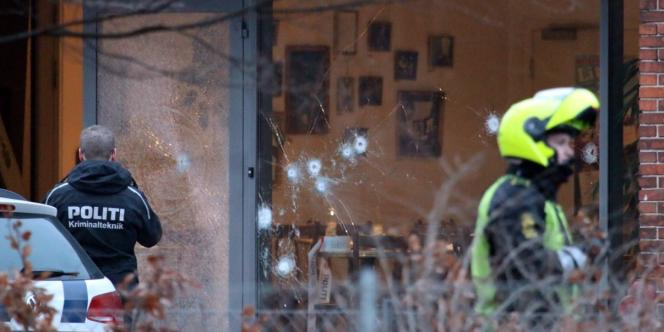 Impacts de balles dans le bâtiment de Copenhague, où se tenait une conférence sur le thème «art, blasphème et liberté d'expression», le 14février.