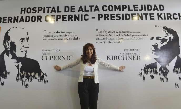 Cristina Kirchner, lors de l'inauguration d'un complexe hospitalier portant le nom de son mari et d'un ancien gouverneur, le 15 février à El Calafate.