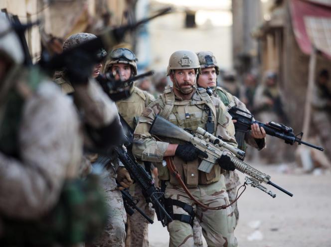 Bradley Cooper dans « American Sniper », de Clint Eastwood.