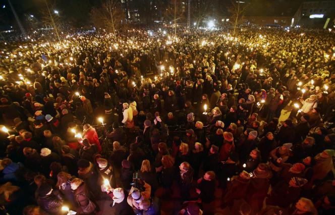 Frappée à son tour, la capitale danoise s'est rassemblée, lundi 16 février, dans un moment de dignité et d'unité nationale.