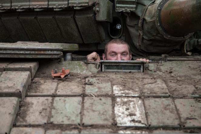 Un tankiste ukrainien dans la région de Donestk, le 16 février.