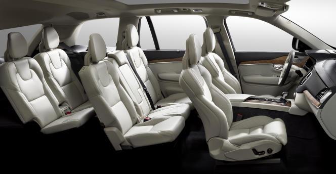 Le XC90 offre sept places confortables.