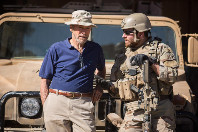 Clint Eastwood et Bradley Cooper sur le tournage d'« American Sniper ».
