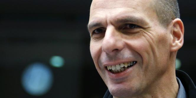 À Bruxelles, l'attitude de Yanis Varoufakis, brillant économiste, ultra-présent sur les réseaux sociaux est jugée agressive