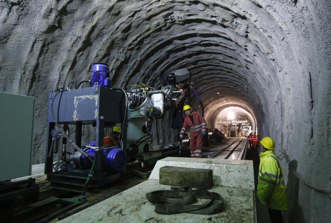 Des travaux, en novembre 2013, dans le tunnel quoi doit permettre la liaison entre Lyon et Turin en Italie.