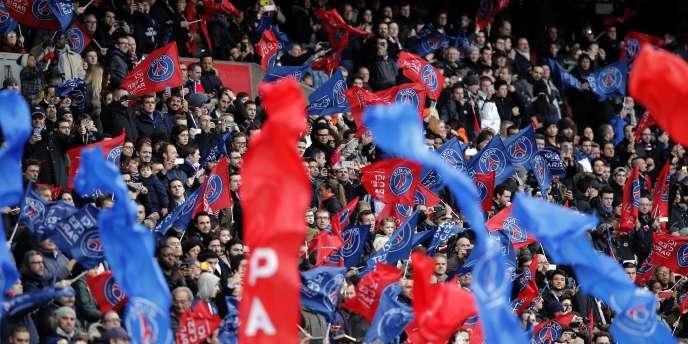 Des supporteurs parisiens lors du match contre Caen, le 14 février.
