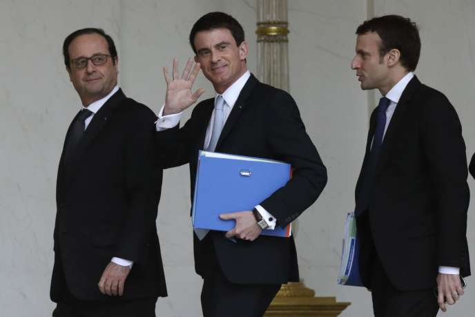 François Hollande, Manuel Valls et Emmanuel Macron au palais de l'Elysée, le 18 février.