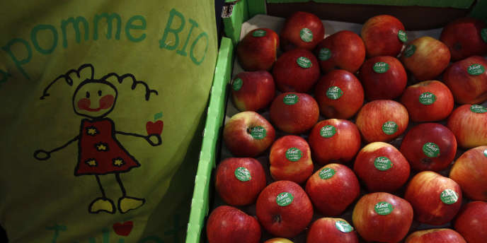 Des pommes bio, exposées lors du Salon de l'agriculture, en 2012.