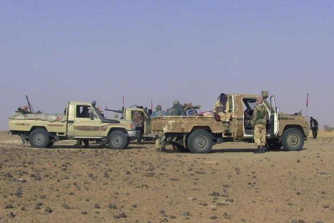 Combattants du Mouvement national de libération de l'Azawad (MNLA) près de Tabankort, dans le nord du Mali, le 15 février.