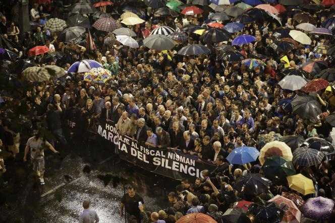 Lors de la marche silencieuse en hommage à Alberto Nisman, le 18 février à Buenos Aires.