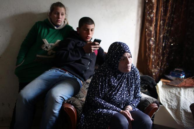 La famille d'Ahmed Shihadeh, détenu après avoir été accusé de faire partie d'une cellule djihadiste.