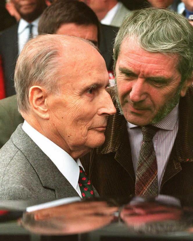 Neuf jours après la mort de François Mitterrand, le 17 janvier 1996, son ancien médecin, Claude Gubler, révèle que l'ex-président était atteint d'un cancer dès 1981, que ses bulletins de santé étaient tronqués, et qu'à partir de novembre 1994, il n'était plus en état d'exercer ses fonctions.