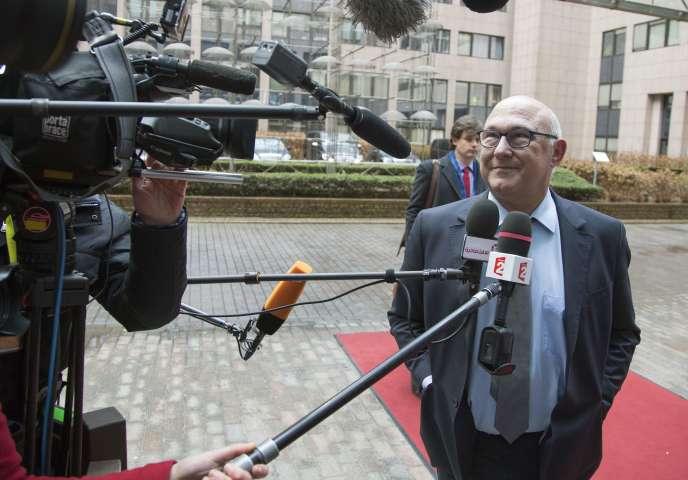 Le ministre français des finances, Michel Sapin, à Bruxelles, le 20 février