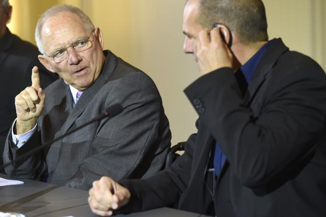 Le ministre allemand des finances, Wolfgang Schäuble (à gauche), et son homologue grec, Yanis Varoufakis, le 5 février, à Berlin .
