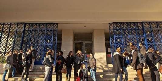 Université Paris-Dauphine.