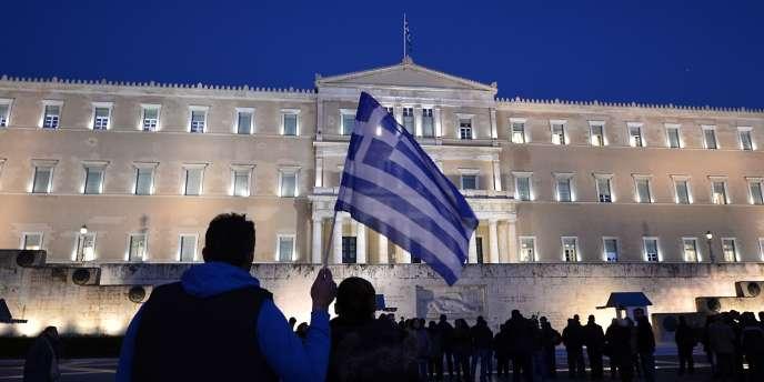 En contrepartie d'une prolongation de quatre mois, Athènes devra présenter une liste de réformes et s'engager à ne pas prendre d'actions unilatérales qui affecteront son budget.