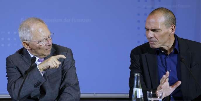 Le ministre grec des finances, Yanis Varoufakis (à droite) et son homologue allemand, Wolfgang Schaüble, lors de leur rencontre à Berlin, le 5 février