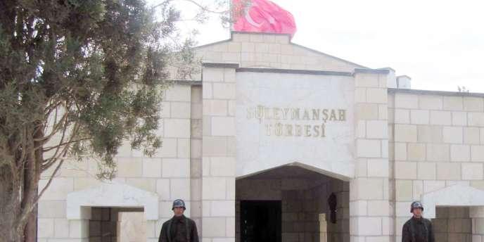 L'enclave turque de quelques centaines de mètres carrés où gît Souleiman Shah, le grand-père d'Osman Ier, fondateur de l'Empire ottoman.