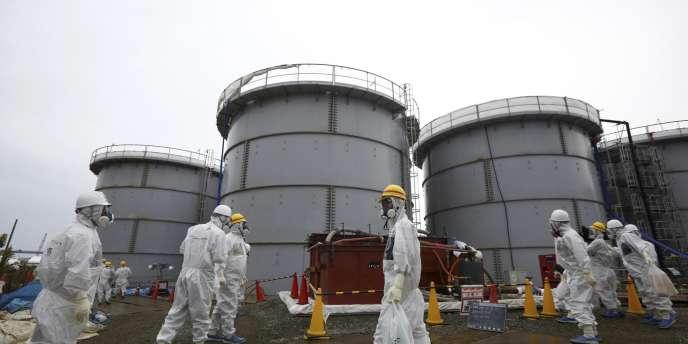 Malgré la fuite d'eau contaminée détectée à la centrale de Fukushima, ici le 7 novembre 2013, l'entreprise Tepco s'est voulue rassurante.