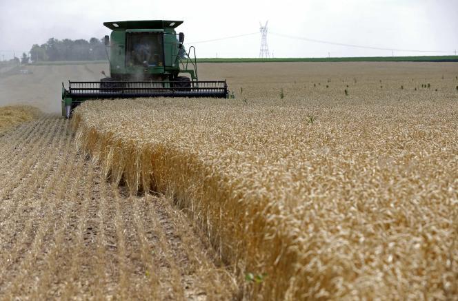 Oxfam France a lancé sa campagne « Banques : la faim leur profite bien » en février 2013. L'ONG avait alors obtenu de la plupart des banques françaises des engagements visant à limiter leurs fonds indiciels exposés aux matières agricoles.