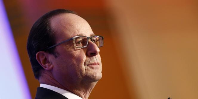 François Hollande, au dîner du Conseil représentatif des institutions juives de France, à Paris, le 23 février.