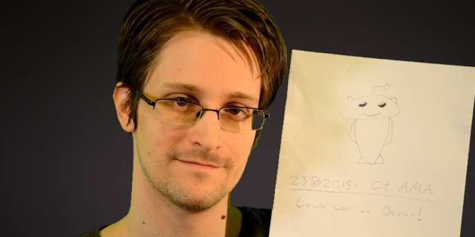 Edward Snowden prouve son identité aux «Redittors».
