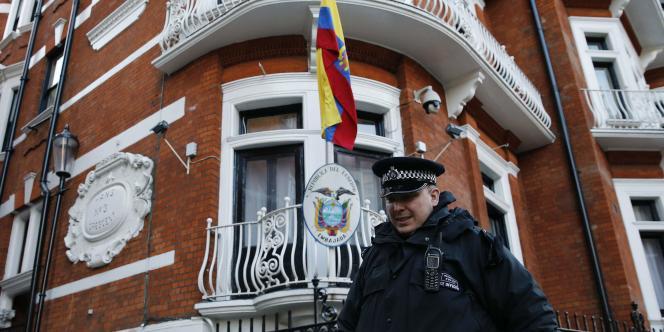 L'avocat de Julian Assange a déposé un appel devant la Cour suprême suédoise pour annuler le mandat d'arrêt émis contre son client.