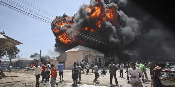 Explosion dans le quartier de Hodan, à Mogadiscio, le 23 février.