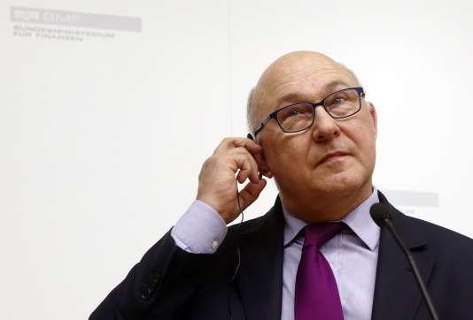 « La transaction pénale a finalement été retirée du projet de loi adopté en conseil des ministres le 30 mars, à la suite de réserves émises par le Conseil d'Etat» (Photo: Michel Sapin, le ministre de l'économie, le 26 février 2015).