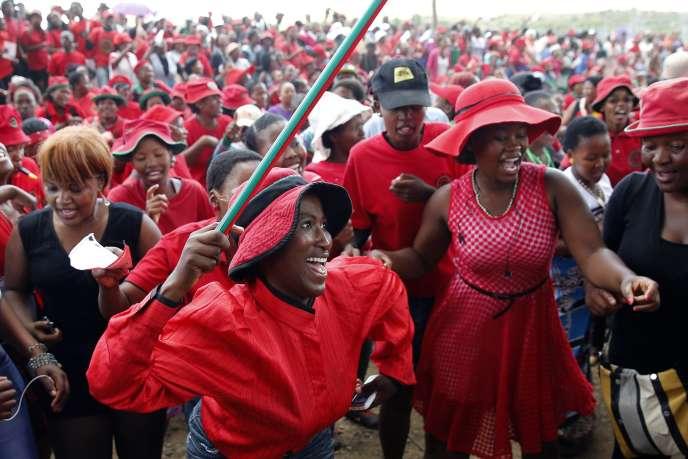 Des militants du Congrès démocratique, le 26 février 2015 à Maseru, capitale du Lesotho.