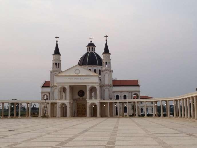 La basilique de Mongomo, en février 2015.