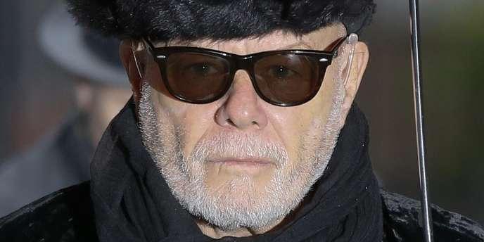 L'ancienne star du glamrock, qualifiée par la police de «prédateur sexuel récidiviste», avait abusé de deux jeunes filles de 12 et 13ans en les attirant dans sa loge et en les isolant de leurs mères.